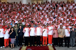 Jokowi Jagokan Sepak Bola Indonesia di Sea Games Filipina