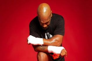 Pertarungan Comeback Mike Tyson - Roy Jones Jr Dikonfirmasi September
